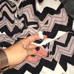 Ashley Stewart Dresses - EUC Sleeveless Chevron print dress